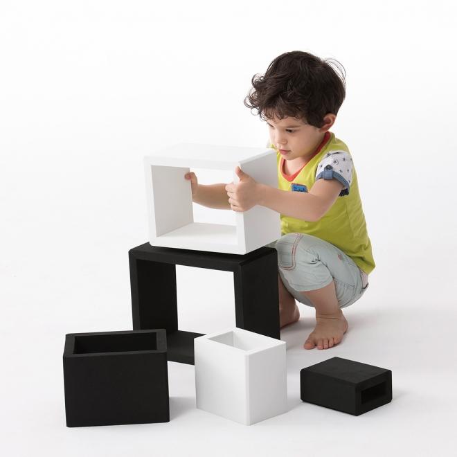 3D Creative Frames (Black & White)