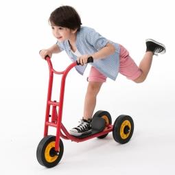 Scooter (three wheels)